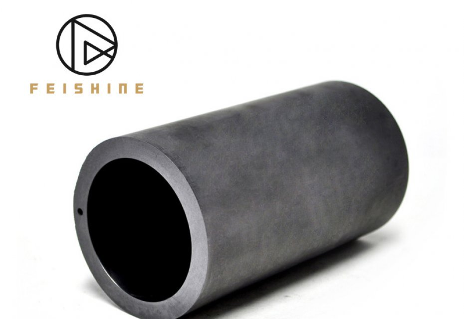 Why do smelters use graphite crucibles